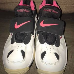 Nike Air pink Shoes.